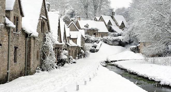 Bibury cottages in the snow